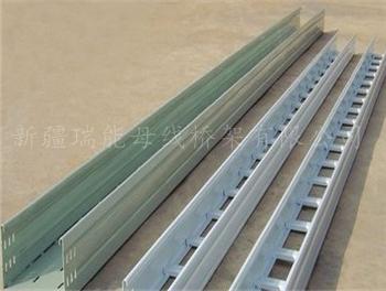 大跨距钢制桥架